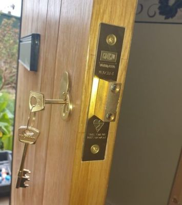 Eddie-and-Sons-Locksmith-emergency-locksmith-brooklyn